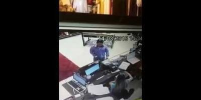 Homem armado assalta loja de confecções no Centro da cidade