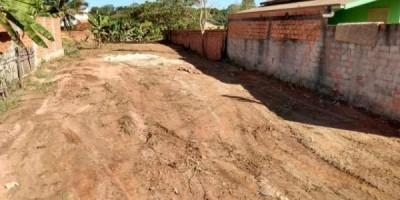 vende-se um terreno em Rolim de Moura