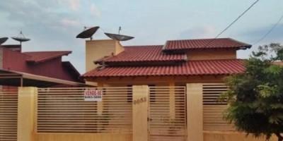 Vende-se uma casa em Rolim de Moura