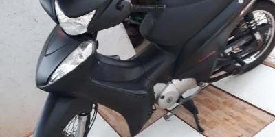 [ VENDE-SE ] VENDE-SE UMA MOTO EM ROLIM DE MOURA