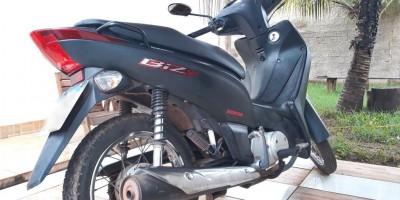 Vende-se uma moto em Rolim de Moura