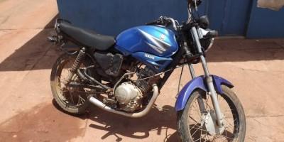 Rolim De Moura -  Polícia Militar recupera motocicleta furtada.
