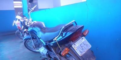 Rolim De Moura - Após apanhar da vitíma ,Ladrão Foge e deixa motocicleta para trás.