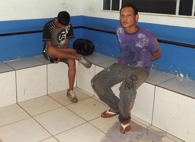 Rolim De Moura- Indivíduos são detidos pela PM com Droga.