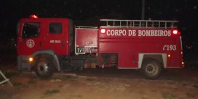 Rolim de Moura - Bombeiros atendem príncipio de incêndio.