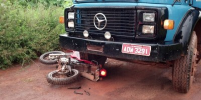 Rolim de Moura - Caminhão Bate Em Motocicleta.