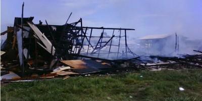 CHUPINGUAIA - Incêndio destrói alojamento da TOSHIBA em Chupinguaia