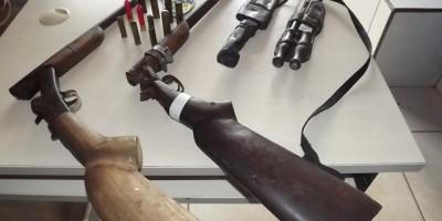 Nova Estrela – Polícia Militar apreende armas de fogo.