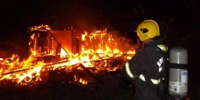 Rolim de Moura –  Incêndio em residência no Bairro Centenário