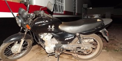 Rolim de Moura – Polícia Militar recupera moto furtada