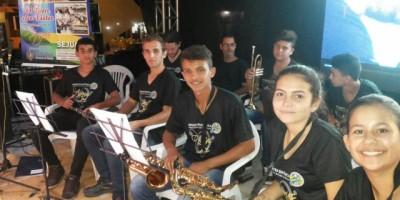Orquestra Sinfônica da Polícia Mirim de Rolim de Moura realiza belíssima apresentação musical na cidade de Presidente Médici