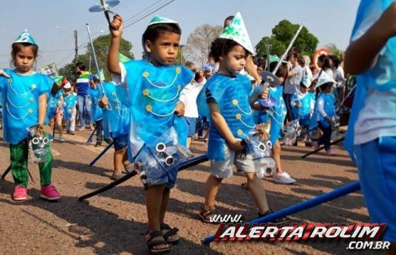 Alunos da Escola Infantil Menino Jesus encantaram durante desfile no feriado da Independência do Brasil - Fotos