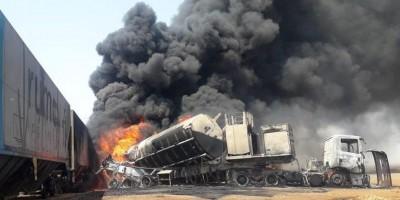 Caminhão tanque explode após ser atingido por trem carregado com milho, no Mato Grosso