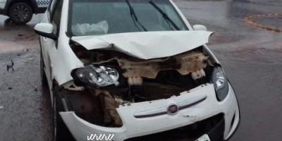 Rolim de Moura – Colisão entre dois carros é registrada no Bairro São Cristóvão