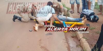 Rolim de Moura – Venezuelano é encaminhado ao pronto-socorro após sofrer queda de bicicleta na Avenida 25 de Agosto