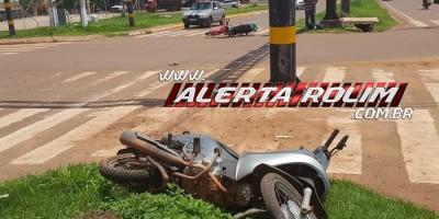 Rolim de Moura – Colisão entre duas motos resulta em uma pessoa ferida no Centro da cidade