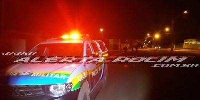 Rolim de Moura – Dois criminosos armados invadem residência, rendem moradora e efetuam roubo no Bairro Jardim Tropical