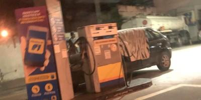 Assaltante infarta e morre durante roubo a posto de combustíveis, no Rio de Janeiro