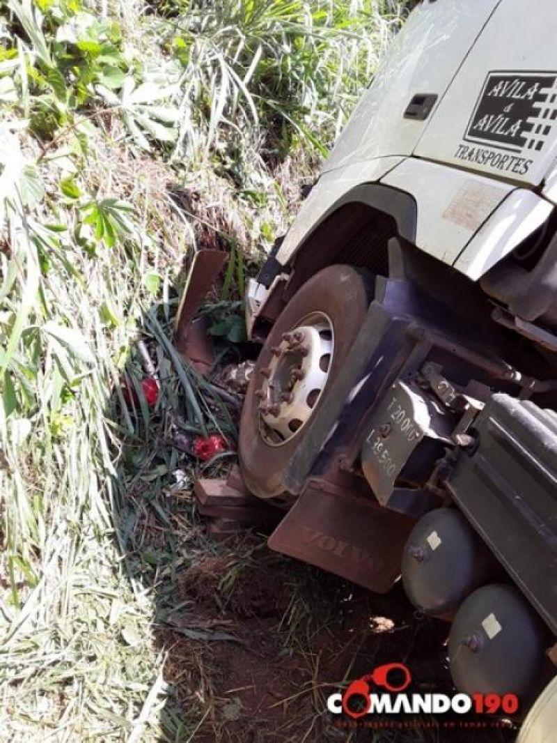 Jovem perde a vida em acidente envolvendo moto e carreta bi-trem na BR 364, entre Médici e Ji-Paraná