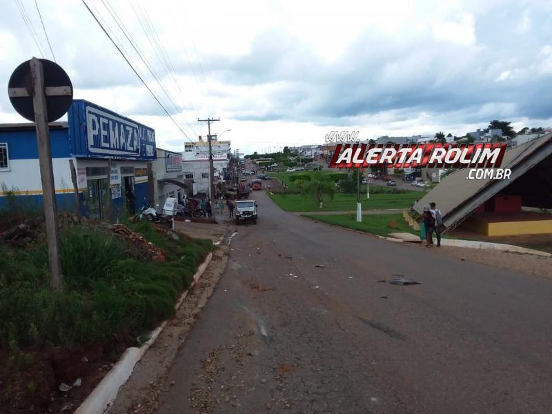 Nova Brasilândia – Após apresentar pane mecânica, caminhão desgovernado atinge moto, carro de passeio e outro caminhão na Avenida JK