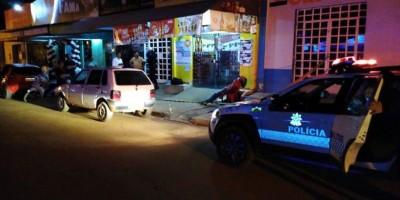 Homem é morto a tiros em mesa de bar na Avenida Paraná, em Vilhena