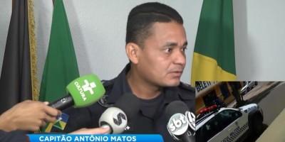 Cidadão grava vídeo mostrando viatura parada e ligada no centro da cidade e durante coletiva, Capitão da PM esclarece o ocorrido, em Cacoal - Vídeo