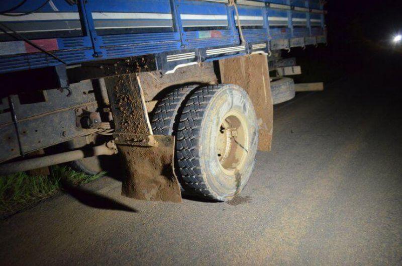 Jaru: Jovem casal morre em colisão de motocicleta e caminhão na linha 630