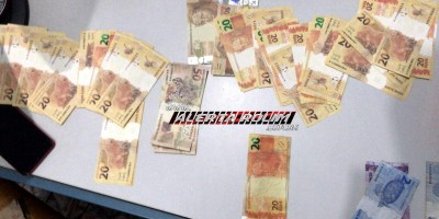 PM em Santa Luzia prende dois suspeitos com quase dois mil reais em notas falsas, enquanto tentavam aplicar golpe em comércio