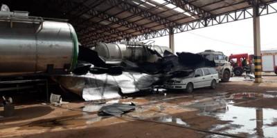 Caminhão-tanque explode durante soldagem e mata genro e sogro, em Rondonópolis - Veja vídeos e fotos