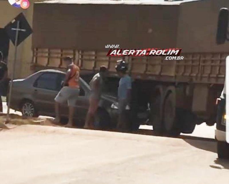 Rolim de Moura – Colisão entre carreta e carro de passeio é registrada no Bairro Beira Rio