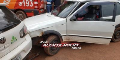 Rolim de Moura – Motorista perde o controle da direção de veículo e bate em carro estacionado no Bairro Cidade Alta – Vídeo