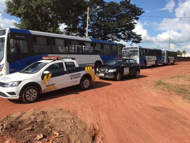 Fiscais, Comtran, Vigilância Sanitária e PM fecham comércios em Rolim de Moura, que estavam descumprindo normas