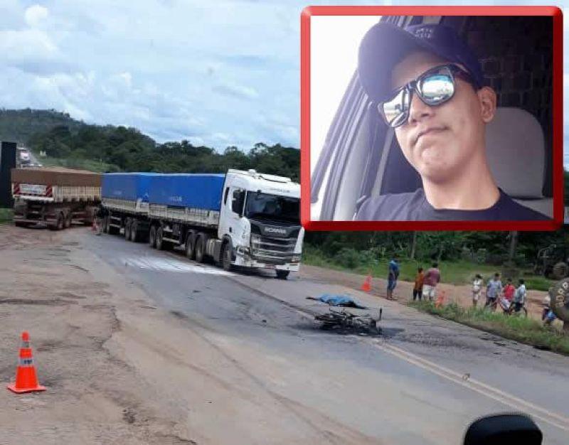 Jovem morre após bater moto de frente com carreta na BR-364, em Ariquemes