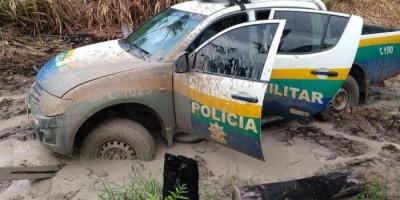 Mesmo com dificuldades de acesso, Polícia Militar recupera motocicleta com restrição de furto, em Rondominas