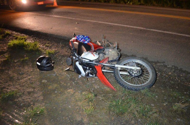 Motociclista tem perna decepada em acidente na BR 364, em Jaru