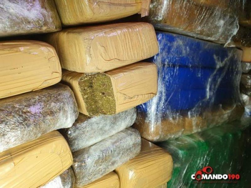 PRF apreende aproximadamente 400 quilos de maconha, em Ji-Paraná