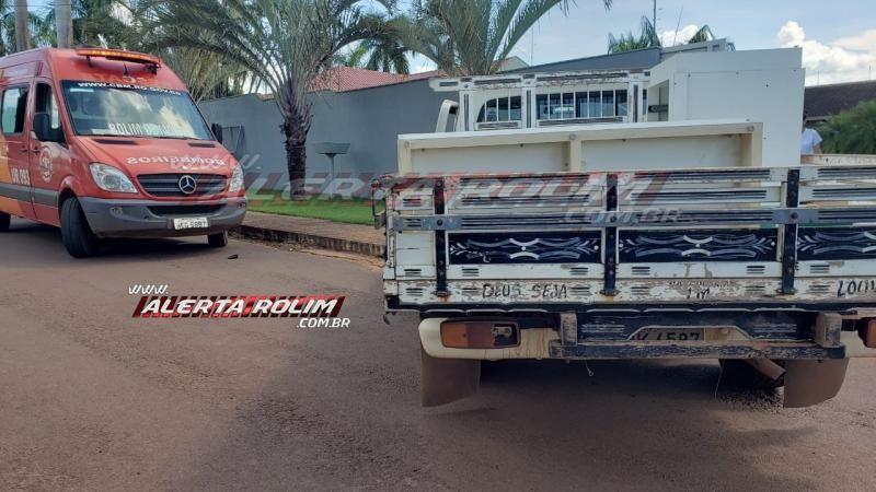 Rolim de Moura – Colisão entre moto e caminhonete resulta em um ferido nesta tarde de terça-feira