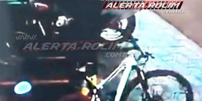 Rolim de Moura – Jovem tem bicicleta furtada em frente de atacarejo nesta manhã de sexta-feira – Vídeo
