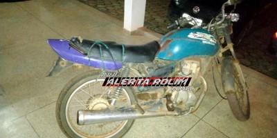 Rolim de Moura – Motocicleta furtada é recuperada pela equipe de Radiopatrulha Rural da PM; um suspeito foi detido