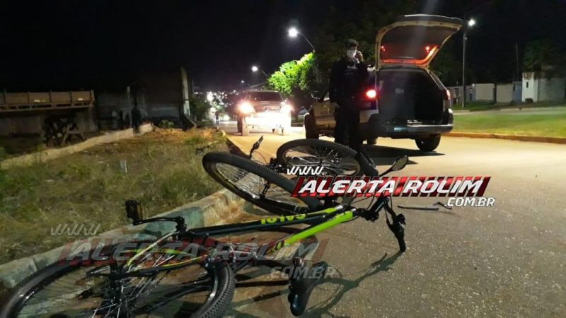 Rolim de Moura – Motociclista é socorrido com suspeita de traumatismo craniano após se chocar contra dois ciclistas na Avenida Norte Sul