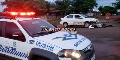 Rolim de Moura – Motociclista fica ferido ao ser atingido por carro que trafegava pela contramão no Bairro Boa Esperança – Vídeo