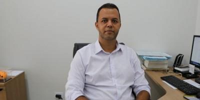 Vídeo- Durante entrevista, delegado fala sobre o homicídio que vitimou frentista em posto combustível, em Espigão do Oeste