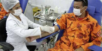 Com redução do estoque de sangue, militares fazem doação para evitar desabastecimento