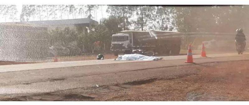 Atualizada; Mulher de 51 anos morre em grave acidente entre motocicletas na BR364 em Cacoal