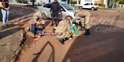 Casal fica gravemente ferido em acidente de trânsito no Centro de Rolim de Moura - Vídeo