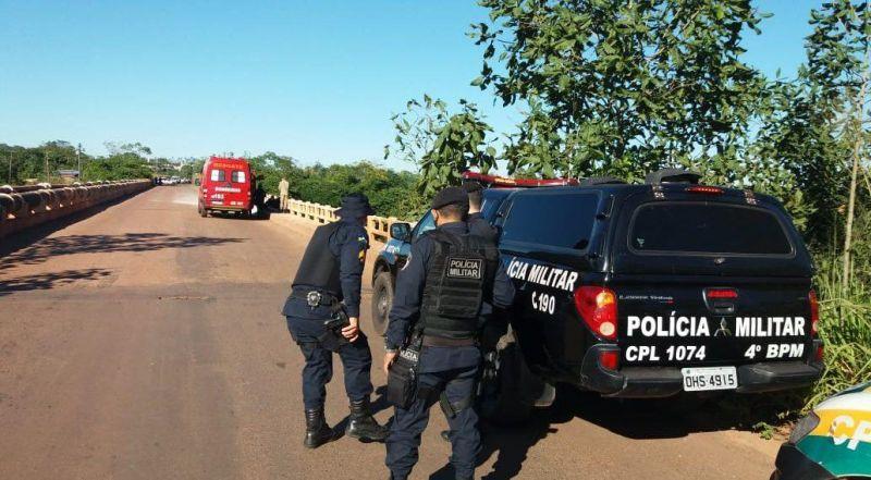 Após negociação, jovem que queria cometer suicídio desiste de pular da ponte do Rio Machado, em Cacoal