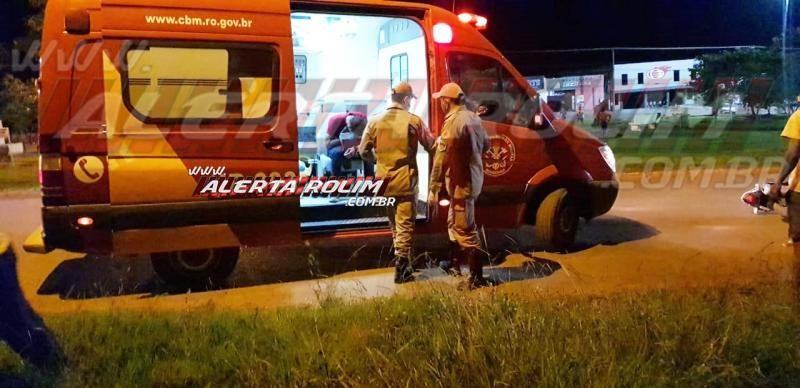 Motociclista é socorrido após bater na traseira de caminhão na Avenida 25 de Agosto, em Rolim de Moura