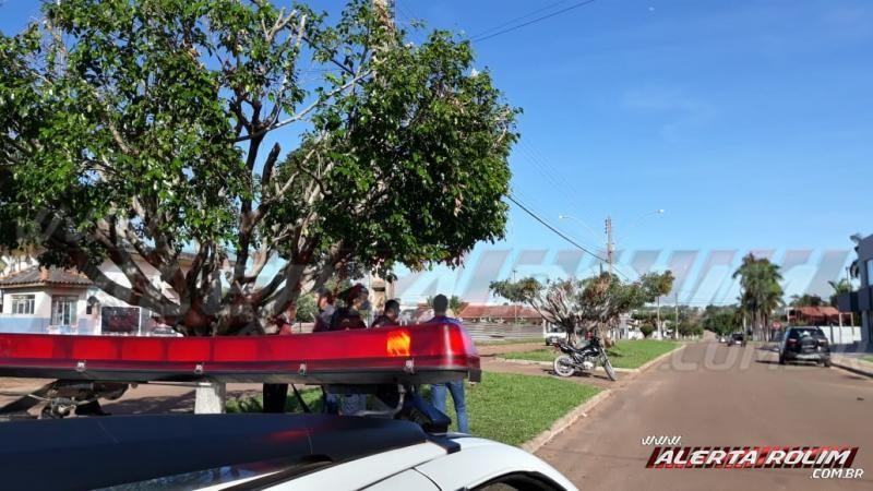 Motociclista fica ferido ao colidir com carro nesta manhã de sexta-feira, em Rolim de Moura