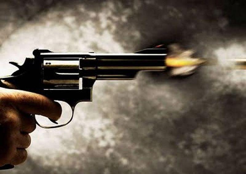 Durante roubo, bandido é recebido a tiro por proprietário de lanchonete no Centro de Rolim de Moura