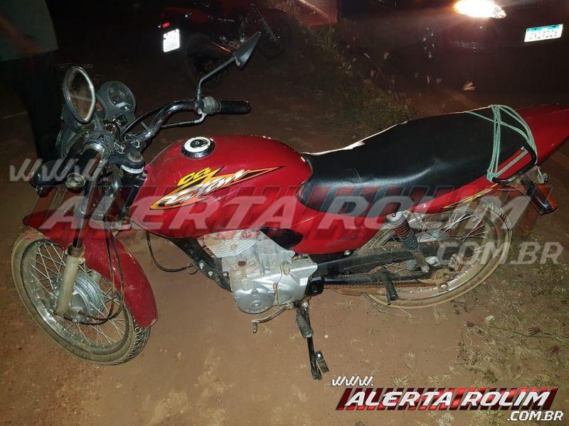Animal solto na pista ocasiona acidente no Bairro Cidade Alta, em Rolim de Moura – Vídeo